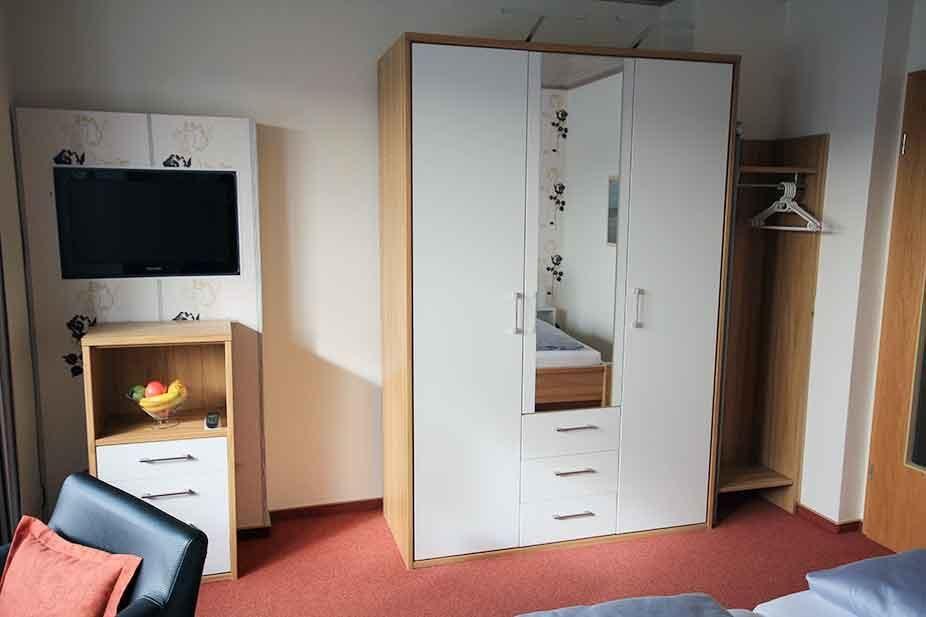 ferienwohnung 6 sl06. Black Bedroom Furniture Sets. Home Design Ideas